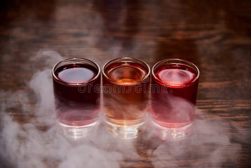 三多彩多姿的酒精射击 免版税库存图片