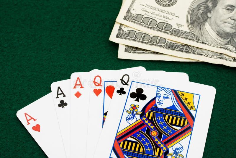 三张相同和二张相同的牌 免版税库存图片