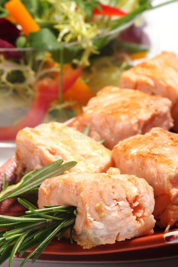 三文鱼烤的kebabs 免版税库存照片
