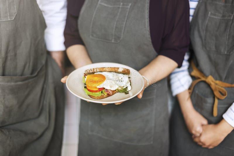 三明治早餐侍者服务服务概念 免版税库存照片