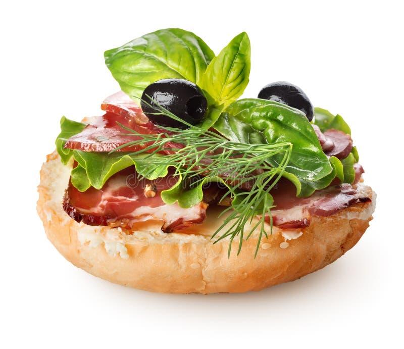 三明治用烟肉和沙拉 免版税库存照片