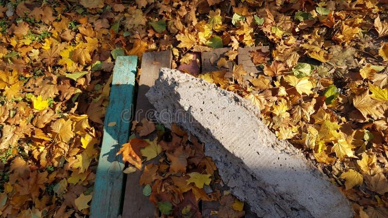 三角塑造了困厄的木板条的构成 库存照片