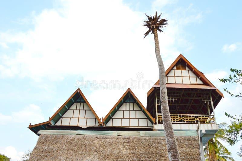 三角形屋顶房子 库存照片