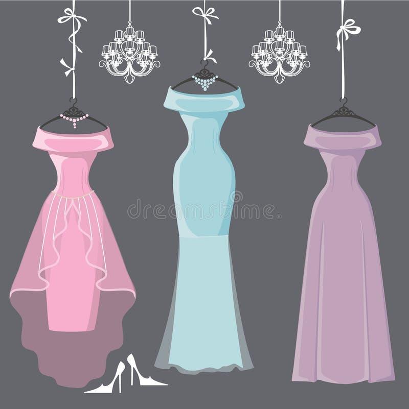 三件在丝带的长的女傧相礼服吊 库存例证
