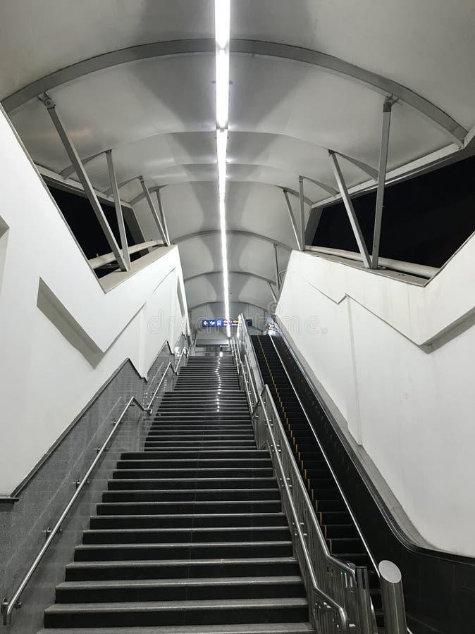 上升入口的楼梯  免版税库存照片
