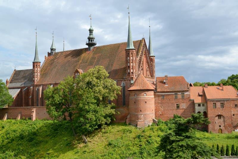 上升大教堂的看法在设防后最初叫的玛丽亚的Blessed维尔京和圣徒传道者安德鲁 Fr 库存照片