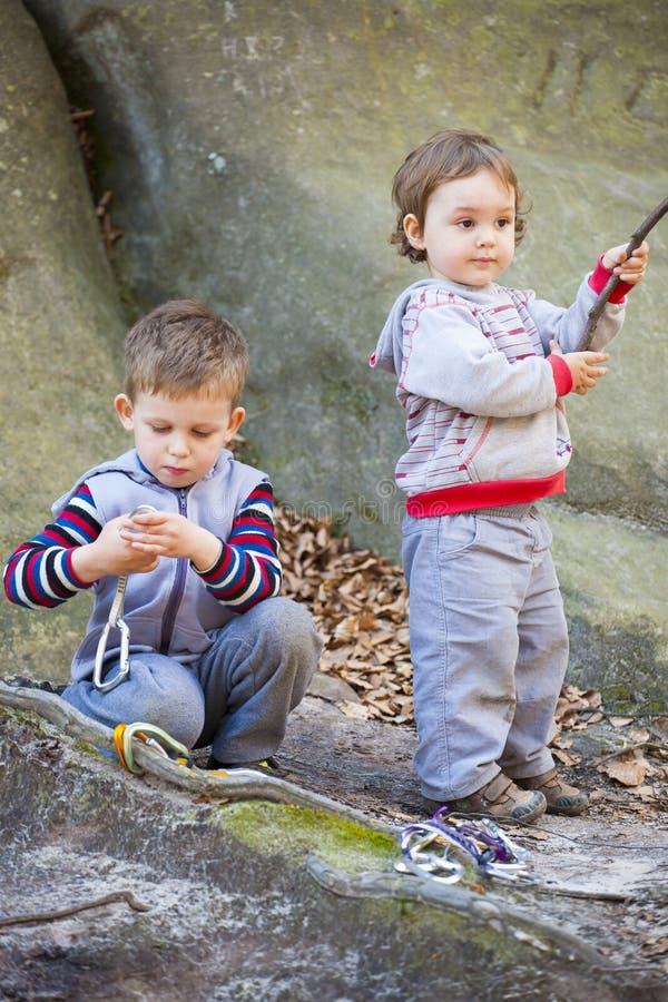 Download 上升的儿童游戏设备 库存图片. 图片 包括有 室外, 本质, 喜悦, 自治权, 设备, 登山人, 休闲, 招待 - 72359625