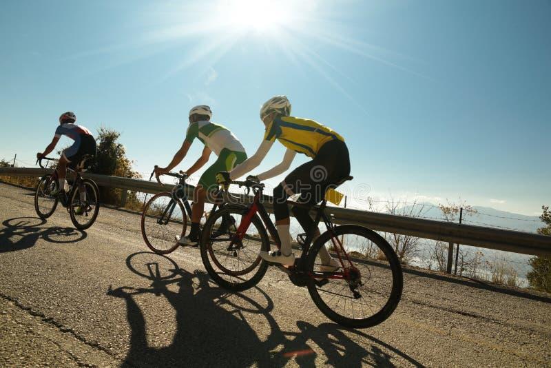上升骑自行车的人在Ligiades约阿尼纳种族Gree之前 库存图片