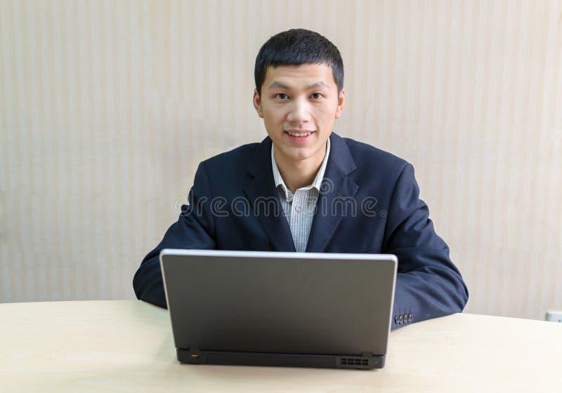 上司年轻人 免版税库存照片