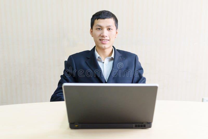 上司年轻人 免版税库存图片