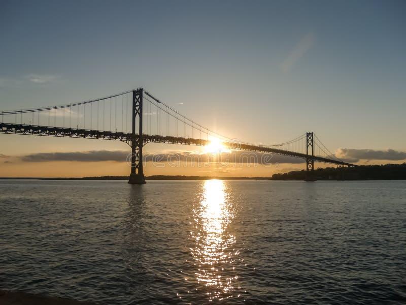 登上希望桥梁 免版税库存照片
