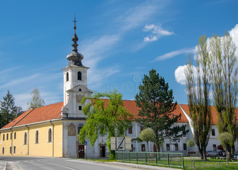 上帝的圣约翰市中心和教会在Spisske Podhradie,斯洛伐克 库存图片