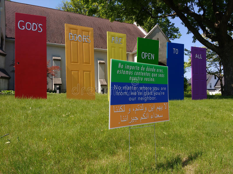 上帝` s门对所有,您开放关于我们的邻居的`, LGBT自豪感, NJ,美国 免版税库存照片