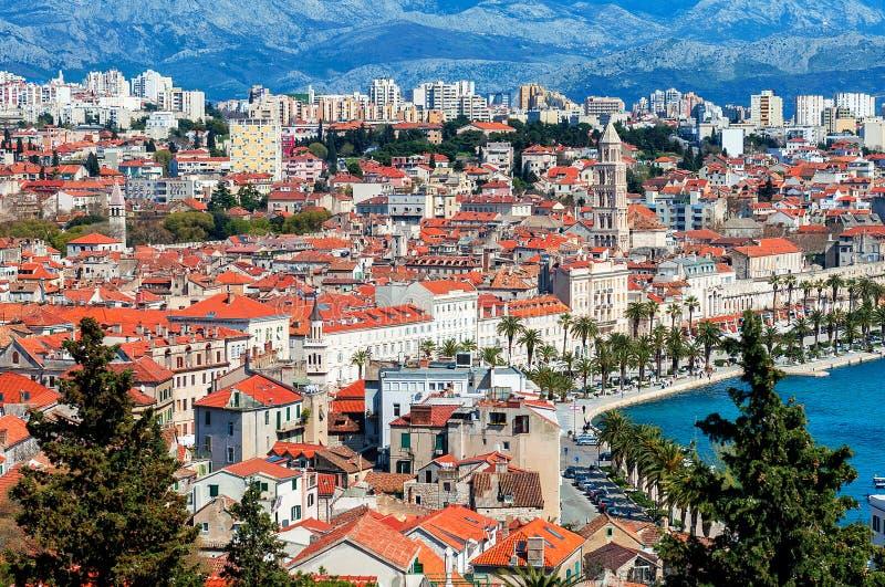 从上流的全景在分裂克罗地亚城市 免版税库存照片