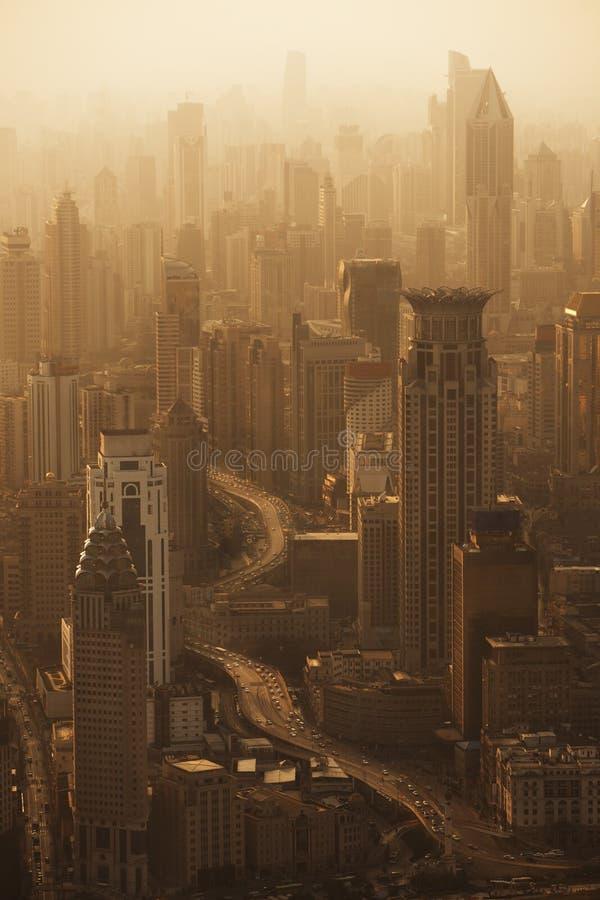 上海地平线鸟瞰图在日落的 免版税库存图片
