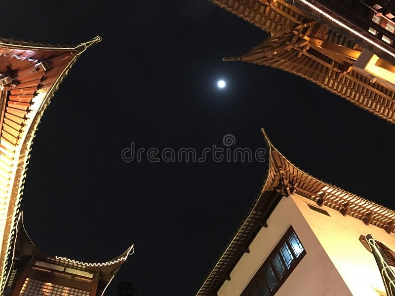 上海夜中国人建筑学 库存照片