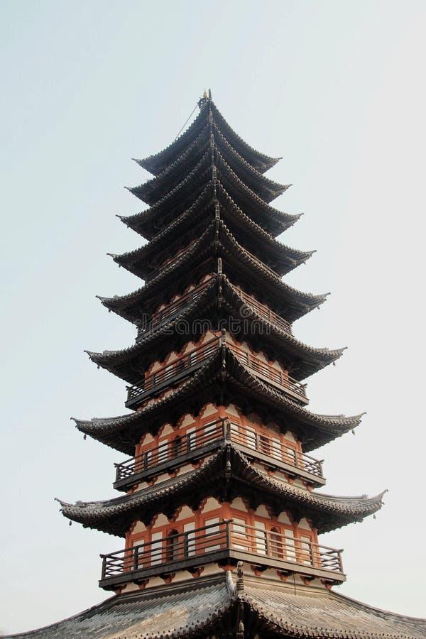 上海愚园花园中的中国传统建筑塔 库存照片