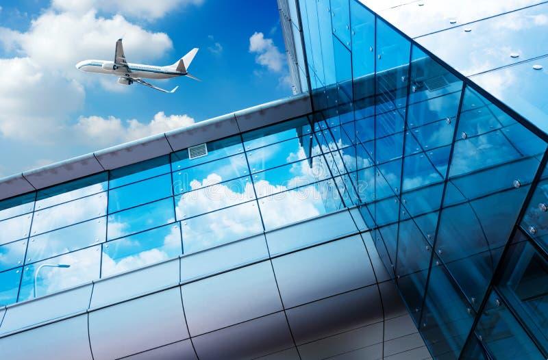 上海浦东机场的航空器 免版税库存照片