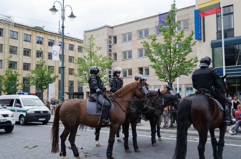 登上的警察保留公开城市事件 免版税库存照片