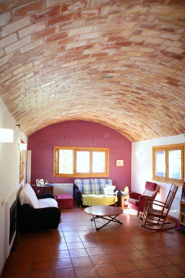上色客厅西班牙温暖 免版税库存照片
