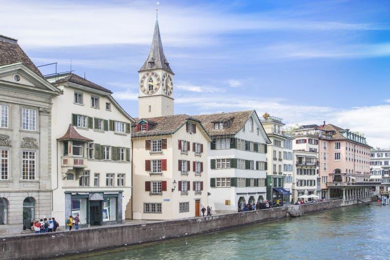 上色有sharpenerLUZERN的,瑞士铅笔14日2017年:都市风景和游人在琉森瑞士 免版税库存图片