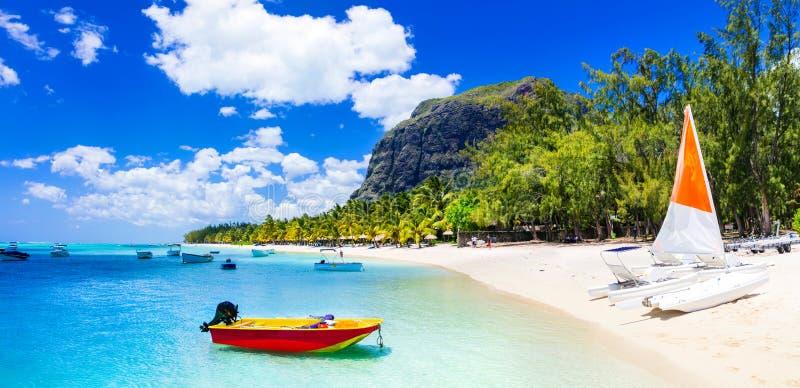 水上运动活动在美丽的毛里求斯海岛 库存照片