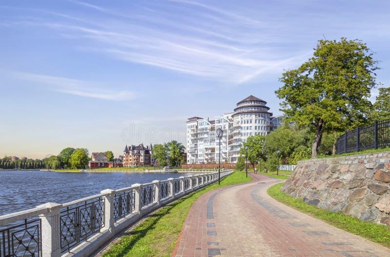 上部池塘的堤防 加里宁格勒,俄国 库存图片