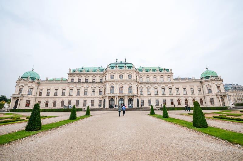 Download 上部贝尔维德雷宫在维也纳 库存图片. 图片 包括有 地标, 资本, 住宅, 巡回表演者, 旅游业, 旅行 - 62539849