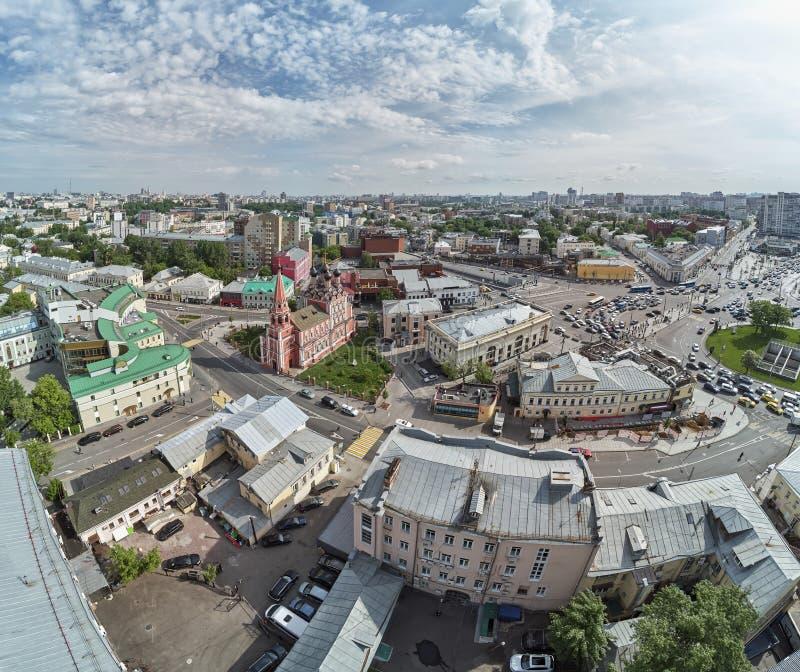 上部Radishevskaya街道,莫斯科,俄罗斯 圣尼古拉斯教会在Taganskaya广场附近的城市的历史的部分的 免版税库存图片