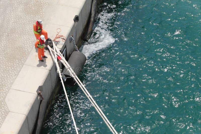 上面停泊船统一视图工作者 库存图片
