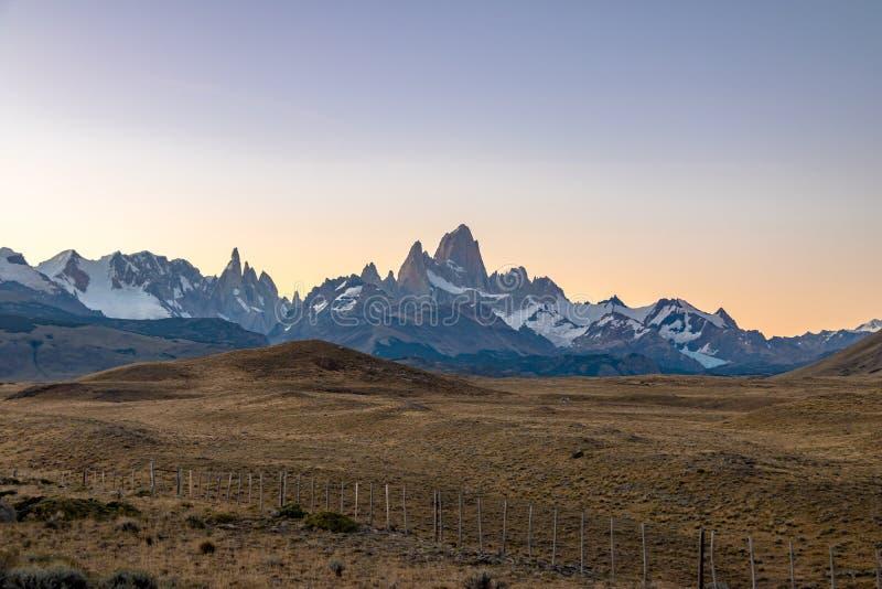 登上费兹罗伊在巴塔哥尼亚在日落- El Chalten,阿根廷 免版税库存图片