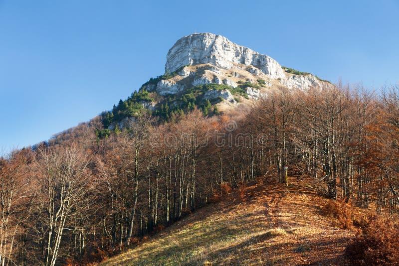 登上Klak,从Mala Fatra山的秋季看法 免版税库存照片