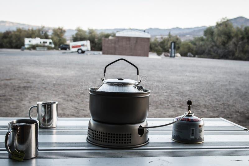下午茶时间在帐篷的夜以后 库存照片