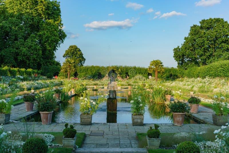 下午观点的著名公主戴安娜Memorial Garden 库存照片