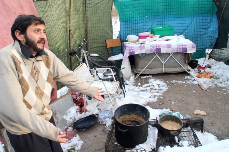 下无家可归的生存人雪 库存照片