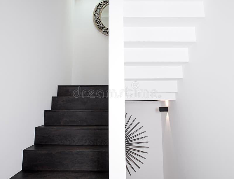 下来楼梯 库存照片