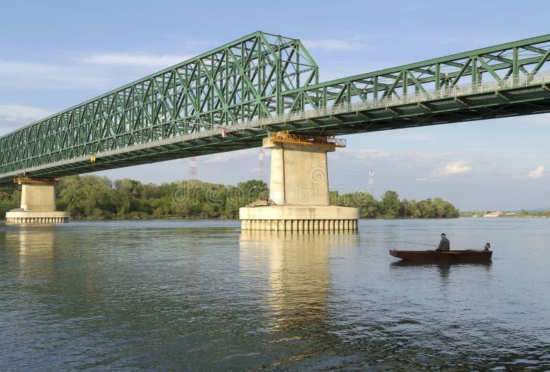 下桥梁捕鱼 库存照片