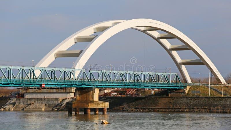 下桥梁建筑 库存图片
