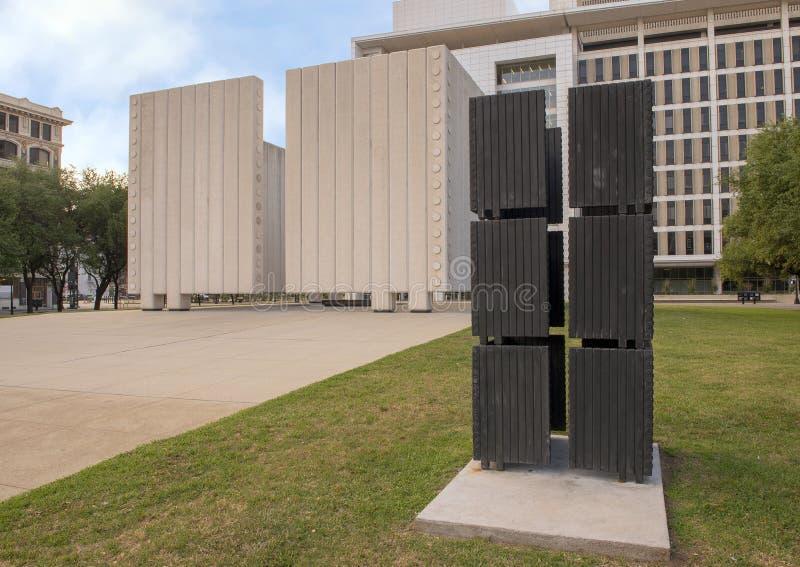 下油阴暗精炼厂天空 肯尼迪纪念广场,达拉斯,得克萨斯 库存照片