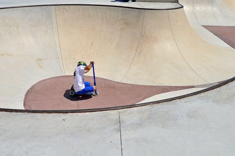 下落的滑行车车手 免版税库存照片