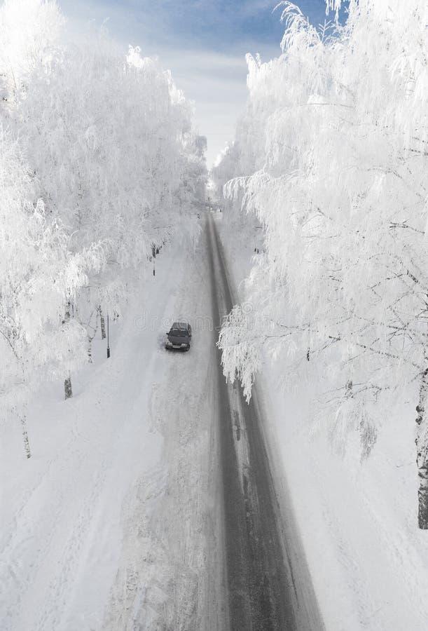 下降向河伏尔加河。雅罗斯拉夫尔市,俄罗斯 免版税库存照片