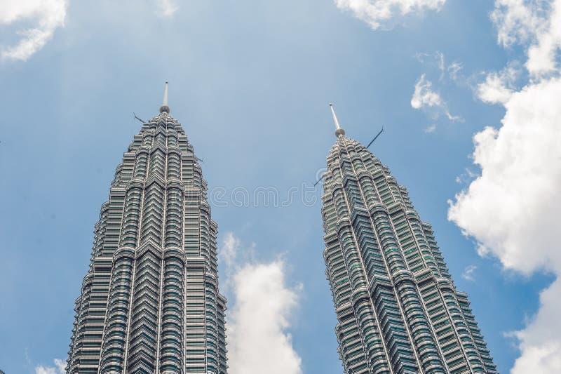 下面看到双子楼在吉隆坡,马来西亚 图库摄影