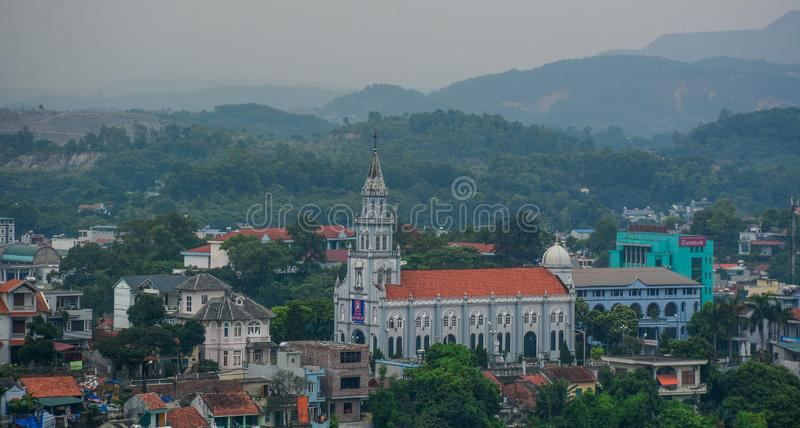 下龙市市,越南鸟瞰图  库存照片