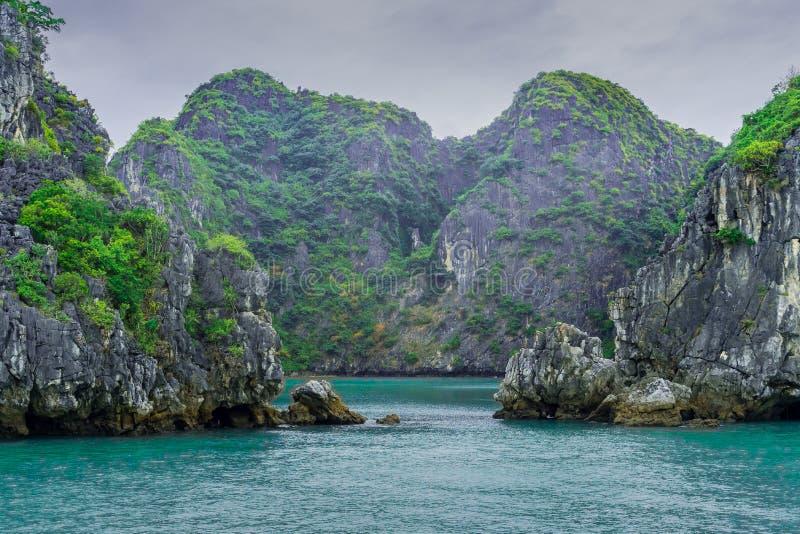 下龙湾,越南瞥见2 免版税库存照片