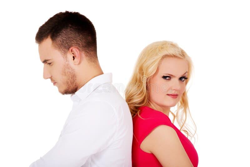 不互相谈话争吵的夫妇 库存照片