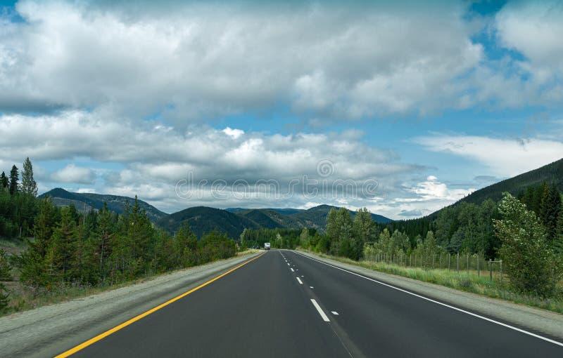不列颠哥伦比亚省山路之转 库存图片