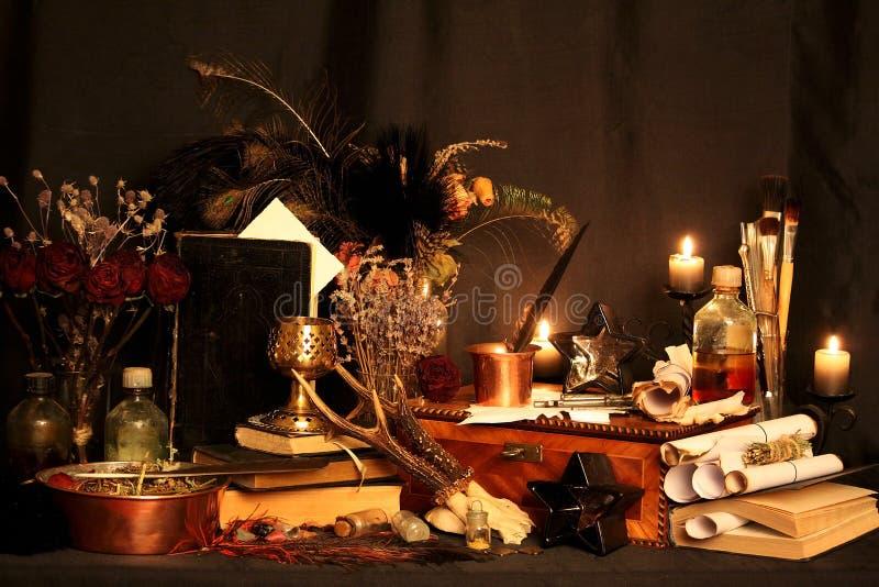 不可思议咒语 真正的不可思议拼写与实际上为您熔铸的无限的力量:当其他魔术或wiccan咒语有fa 库存照片