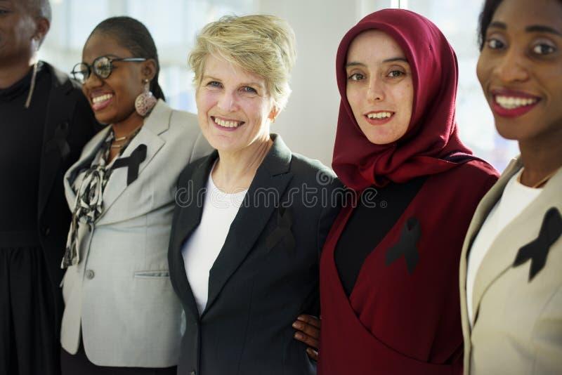 不同的一起妇女合作丝带 免版税库存照片