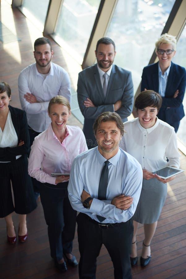 Download 不同的商人小组 库存图片. 图片 包括有 成人, 拉丁语, 商业, 经理, 执行委员, 大使, 愉快, 总公司 - 62535385