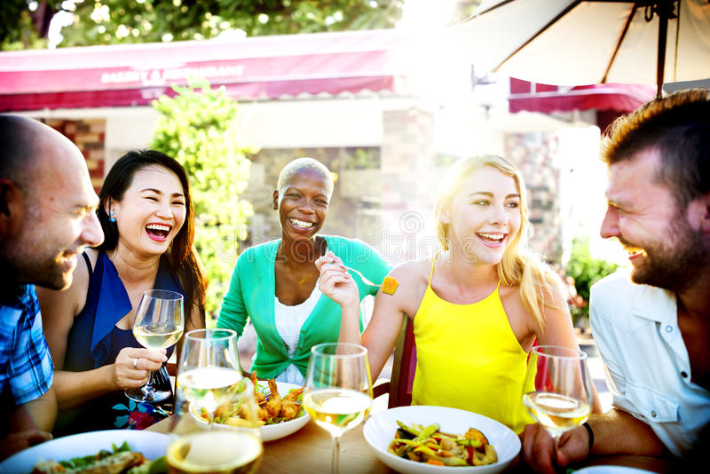不同的户外人午餐食物概念 库存图片